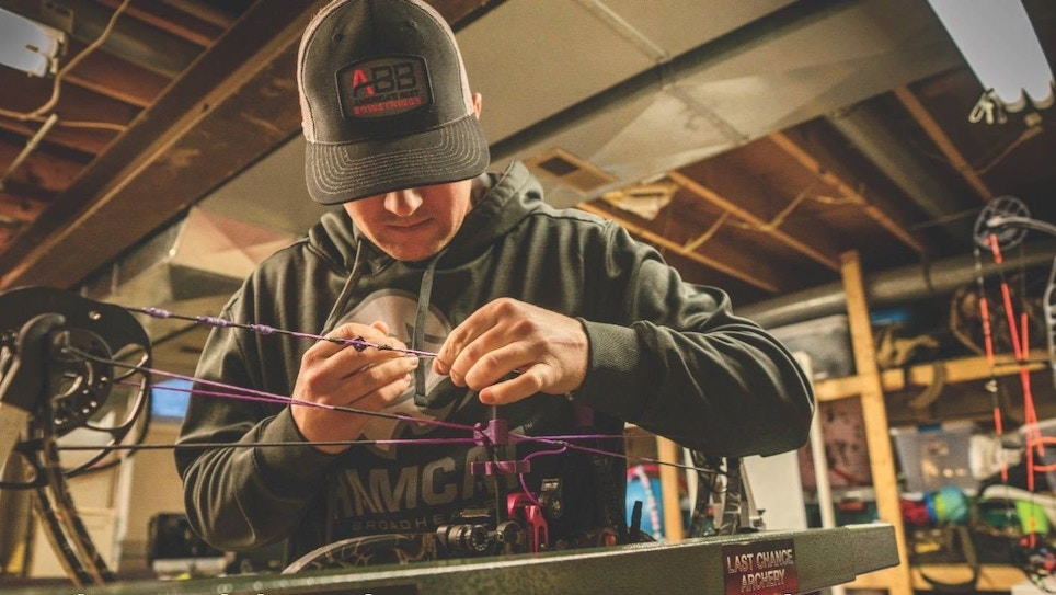 Why Your Customers Should Upgrade to Custom Bowstrings