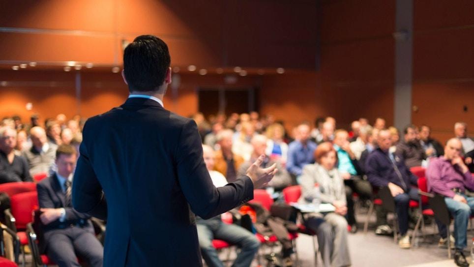Expert Speakers Highlight Hunting Retailer Show
