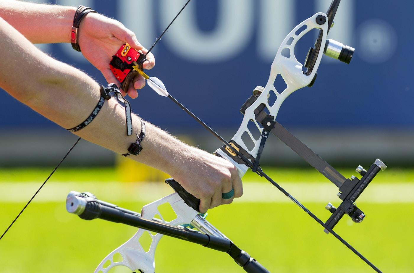 Purple archery Trail Limb Driver ProV Drop Away Arrow Rest