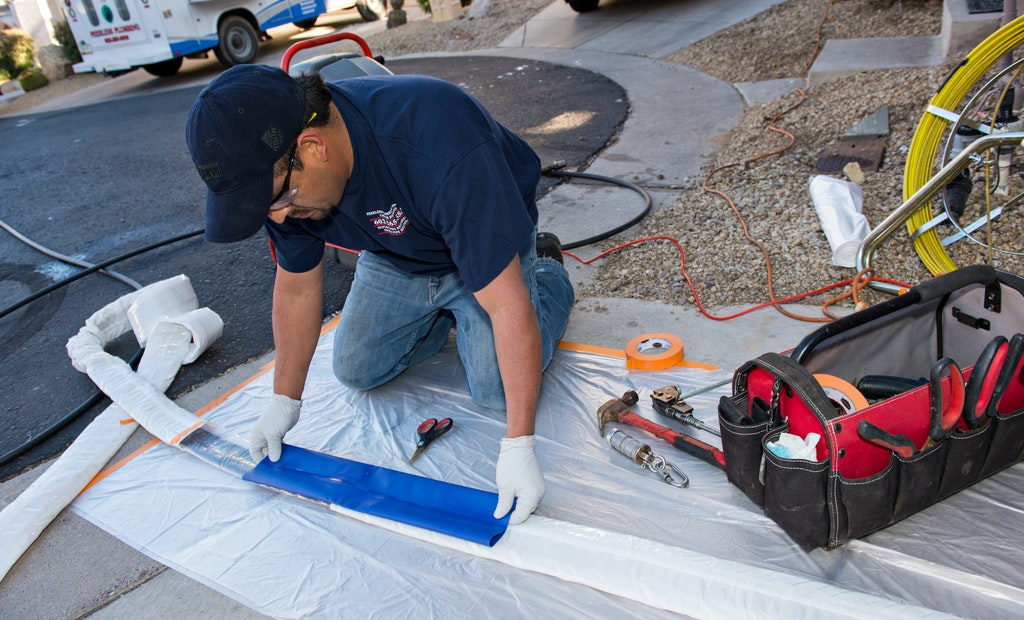 3 Key Traits of a Good Pipe Lining Technician