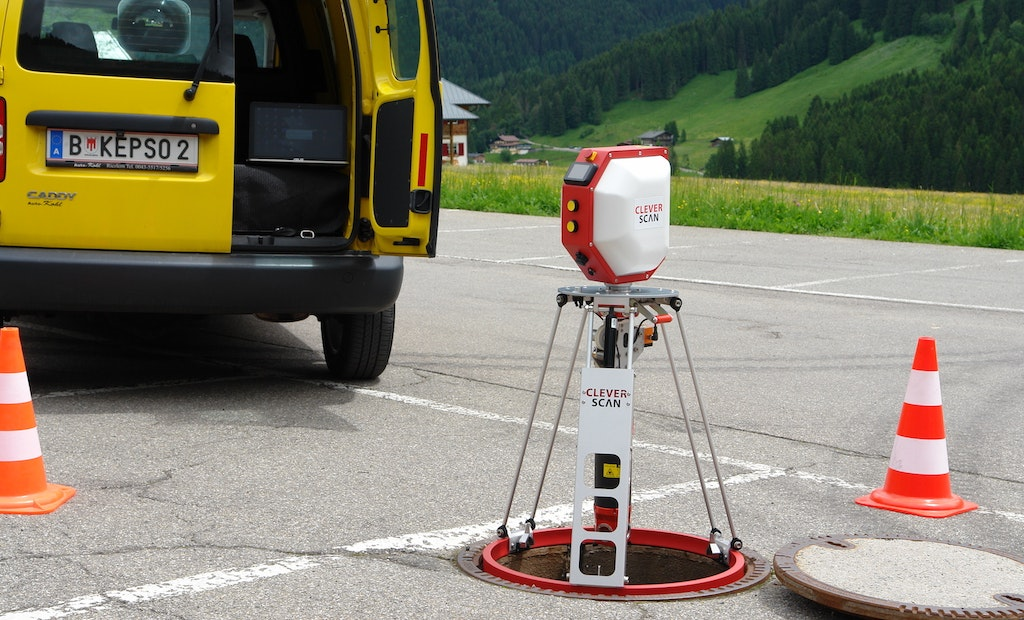 Portable, Automated Manhole Inspection with CleverScan