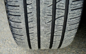Should You Go With New Tires or Retreads?