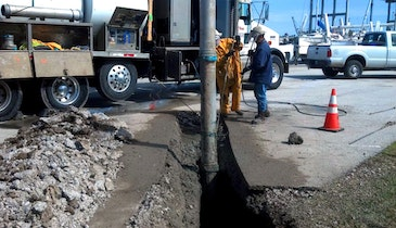 Hydroexcavation and Conventional Digging Work Together