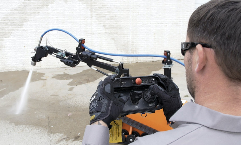 Micro-ARM Offers Hands-Free Hydroblasting