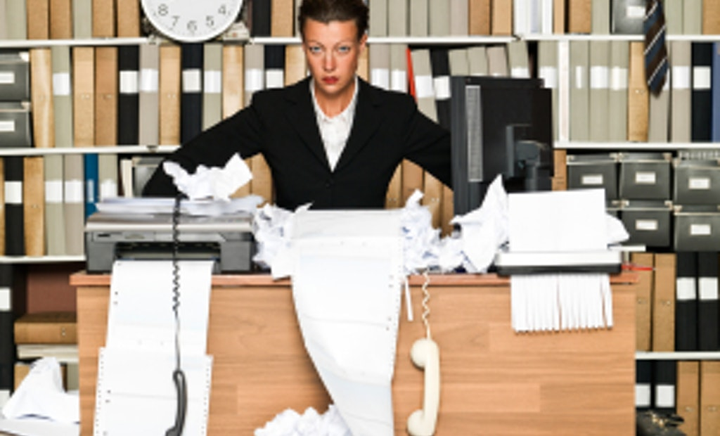 5 Office Decluttering Tips