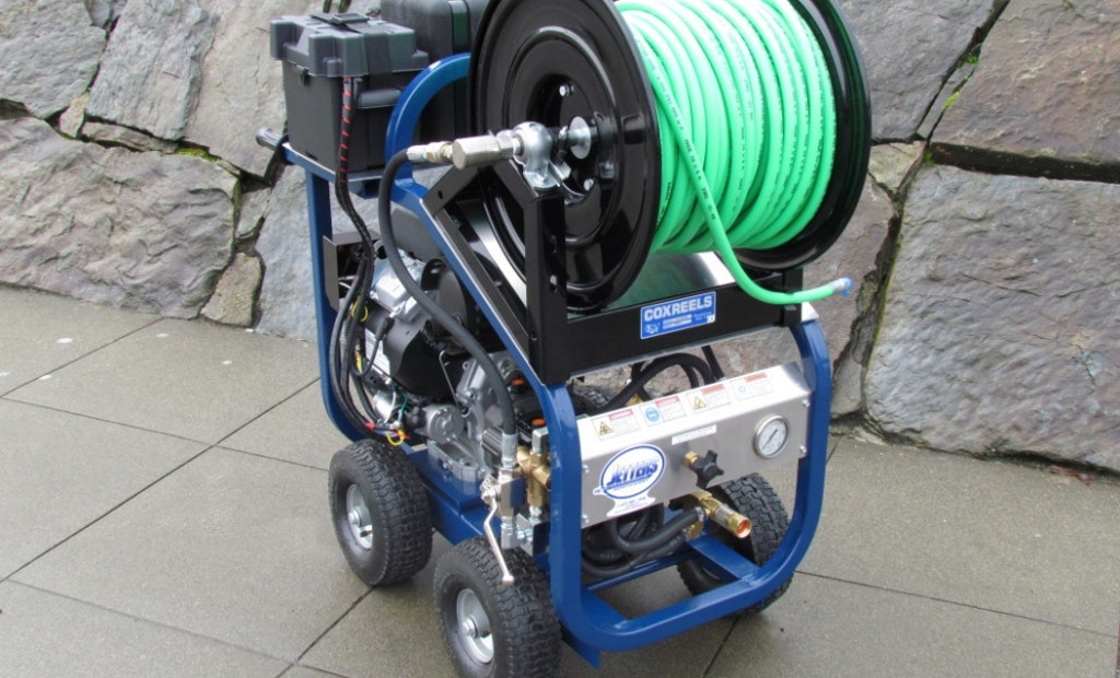 Pressure Washers vs. Jetters: What's the Difference?