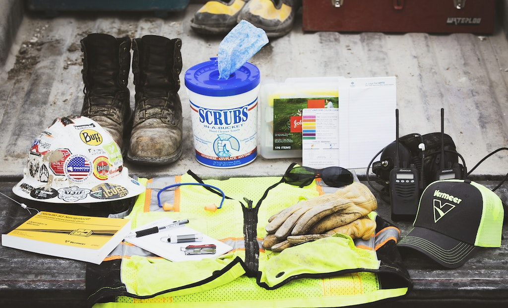 10 Things to Bring to the Job Site Every Day
