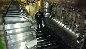 Infiltrator installs 420,000-pound  molding machine