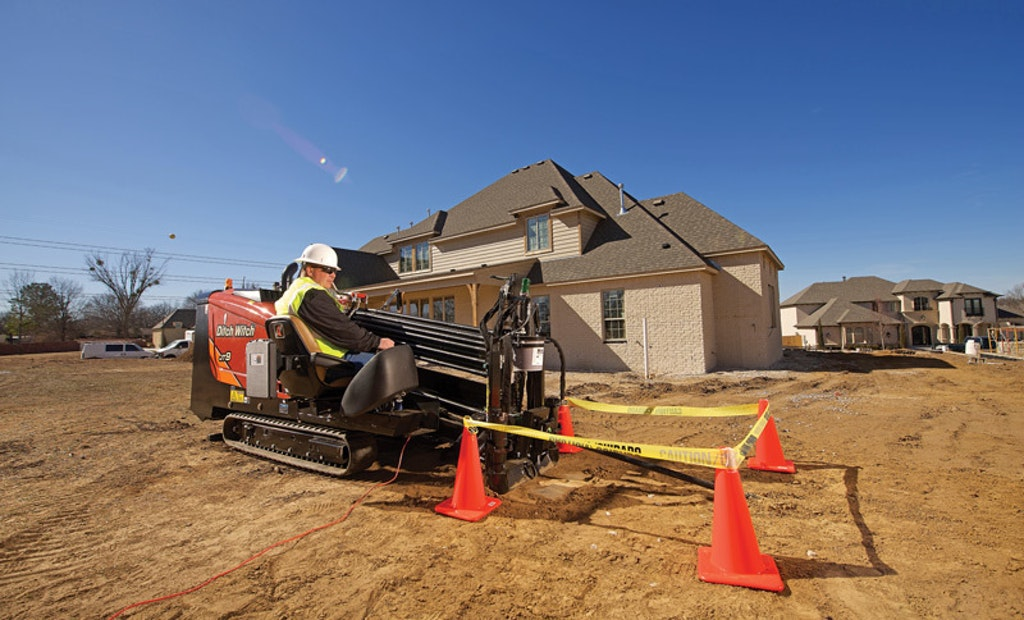Compact Horizontal Directional Drill Works In Tight Locations