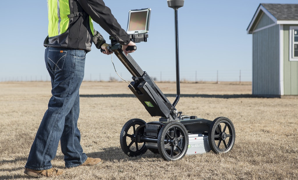 Subsite Electronics Introduces New Utility Locating System