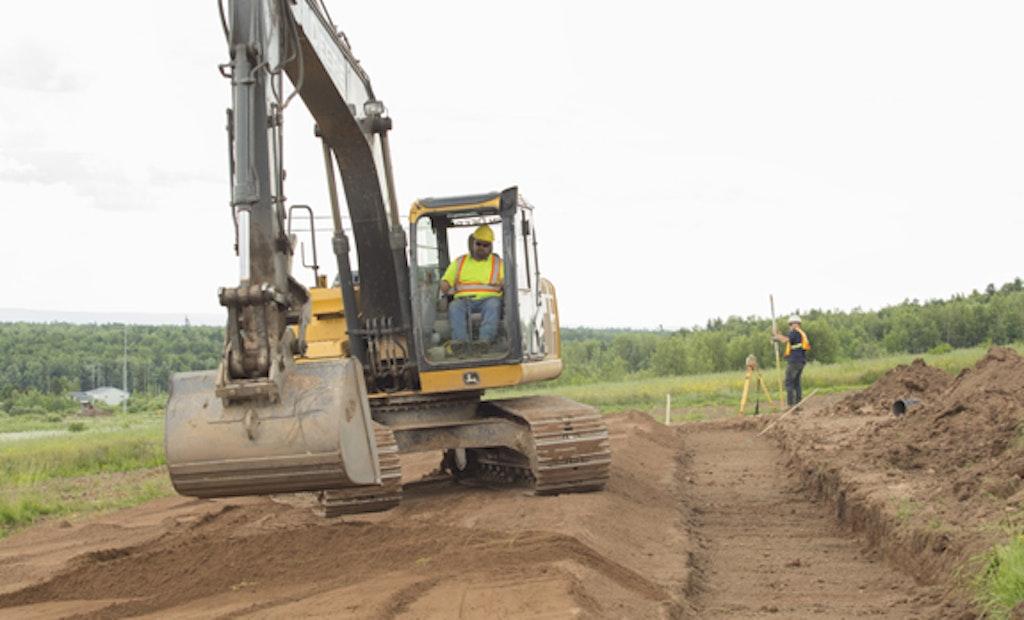 Adjust Tracked Excavator Maintenance Practices to Job Site Conditions