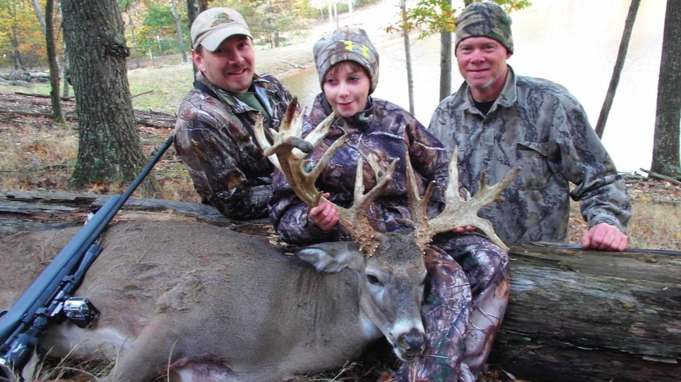 TV Host Helps Visually Impaired Girl Take First Deer