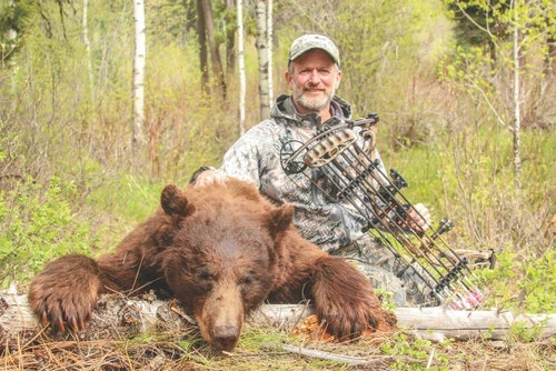 Using his 11-step spot-and-stalk process, the author arrowed this cinnamon-colored black bear.