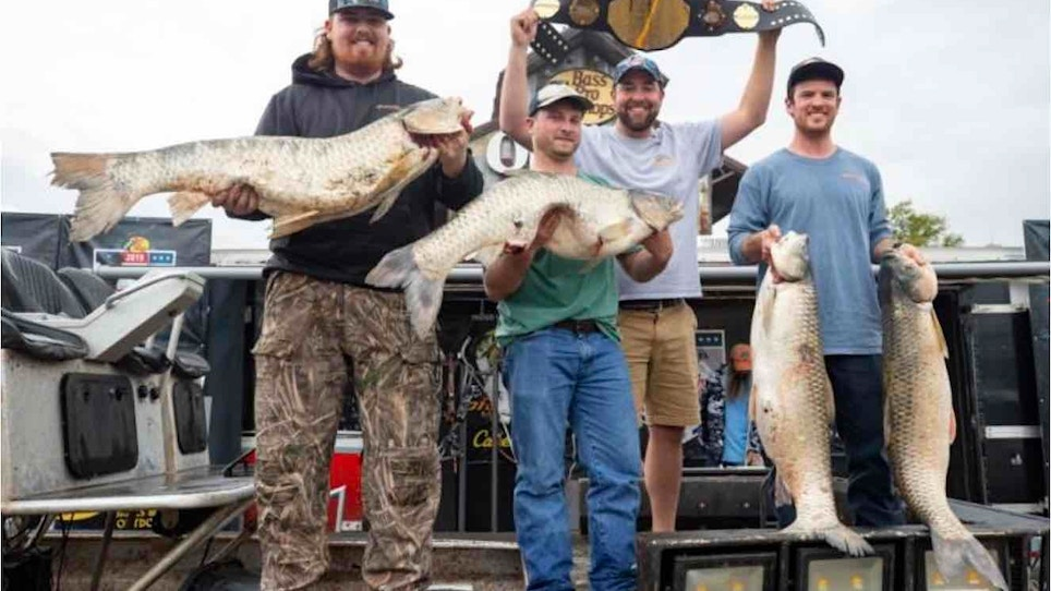 How Many Pounds Did These Bowfishing Champions Arrow?