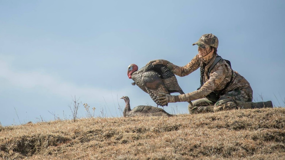 Decoy Placement for Bowhunting Turkeys: Keep Them Close!