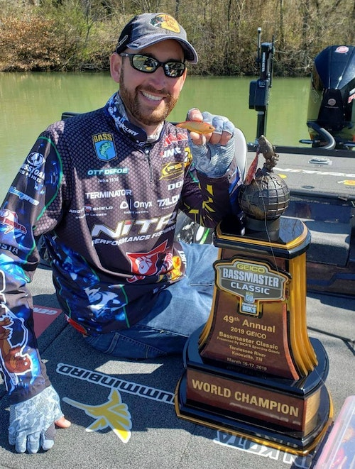 2019 Bassmaster Classic Champion Ott DeFoe showing off his trophy, as well as the Storm Arashi Vibe lipless crankbait. Of the five bass DeFoe brought to the scale on championship Sunday, four were caught on the Z-Man Jack Hammer, one was taken on the Storm Vibe.