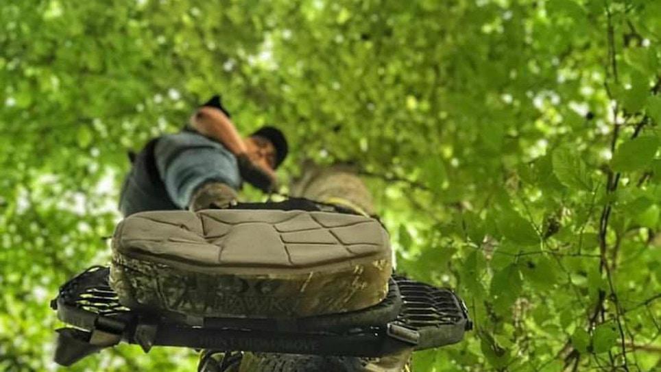 3 Top Hang-On Treestands