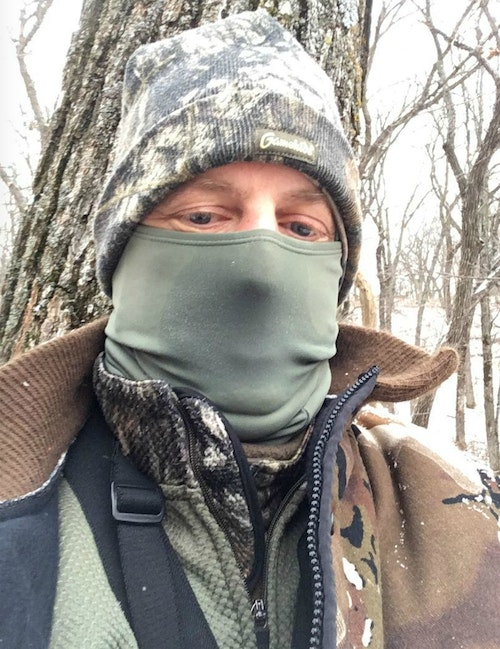 During this cold morning (single digits), the author wore a neck gaiter, balaclava (face mask) and two stocking caps to reduce the amount of heat lost through his head.