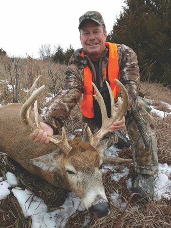 A gentleman is all smiles behind this beautiful Kansas buck taken at the Rader Lodge in north-central Kansas. The Rader Lodge specializes in semi-guided hunts that give clients flexibility and freedom.