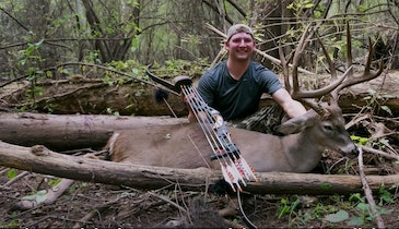 Self-Filmed Whitetail Video: 170-Class Louisiana Buck With a Recurve