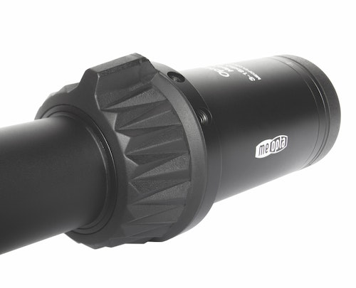 A speed bump on the magnification dial means a sure grip in bad conditions. The scope also ships with a throw lever if owners prefer that style of setup.