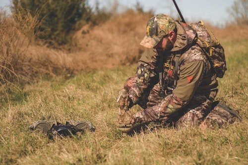 Lifelike battery-powered decoys add realism by employing eye-catching movement — triggering the chase reflex response in both canines and felines. (Photo: Courtesy of Howard Communications.)