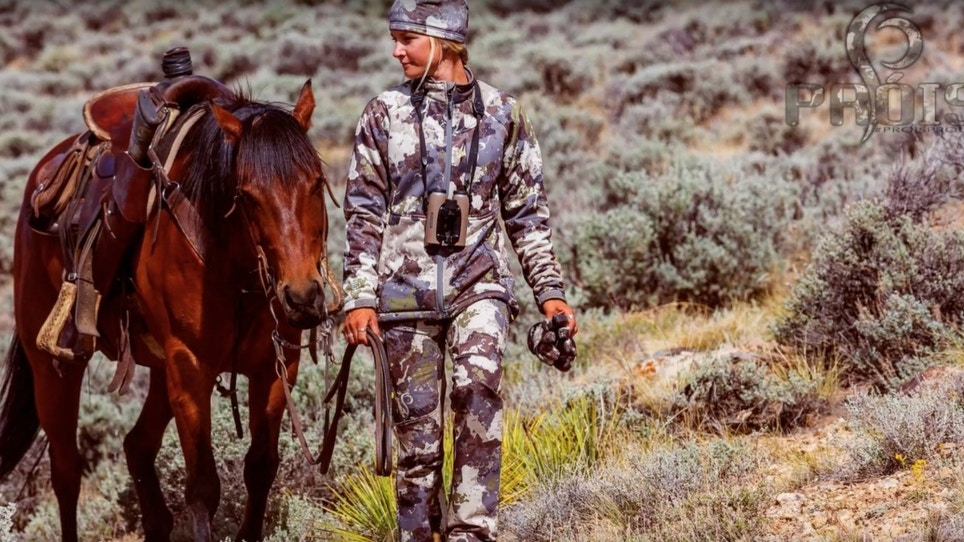 First Look: Próis Torai Apparel for Women Available in Cumbre Camo