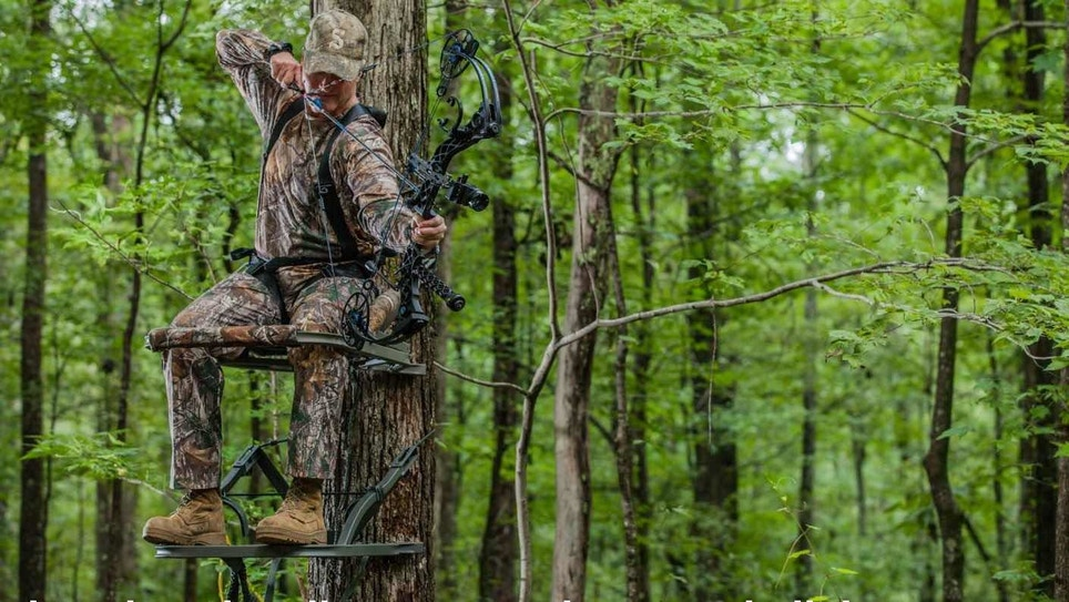 Bowhunting Video: Should You Shoot Sitting or Standing?