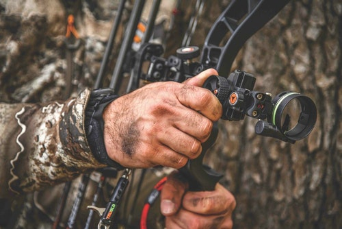 All bowsights have pros and cons; a single-pin mover works well for long-range shots, especially when the shooter has plenty of time.
