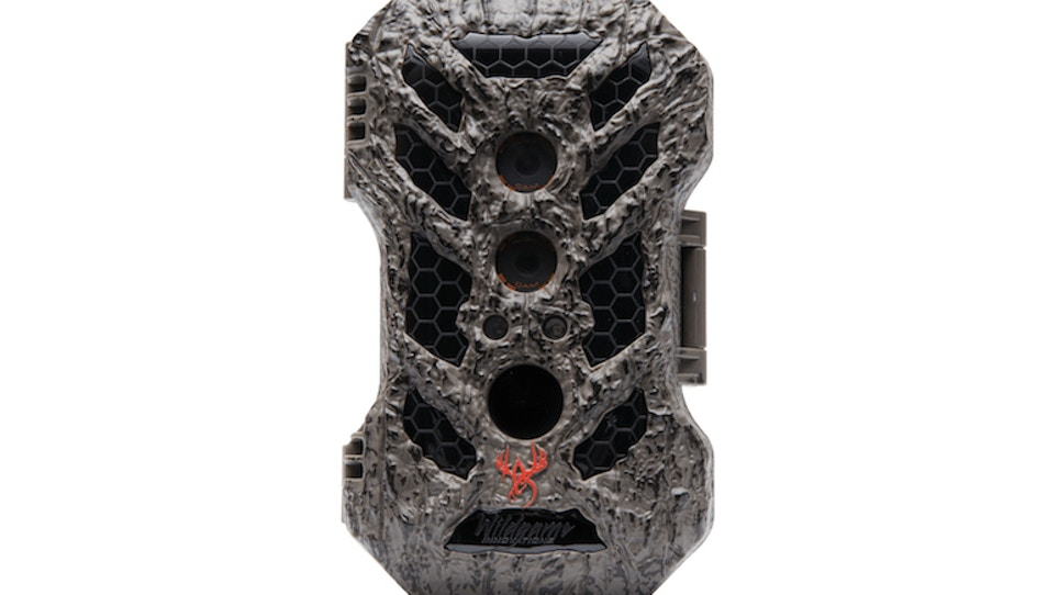 Wildgame Innovations Silent Crush 20 Lightsout: When two cameras are (far) better than one
