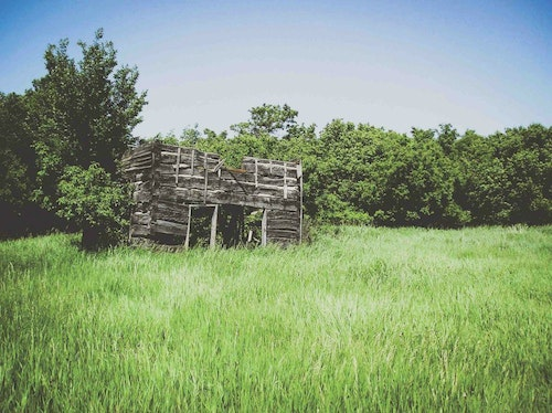 Farm country is full of old buildings such as this one, and they can easily be turned into effective ground blinds.