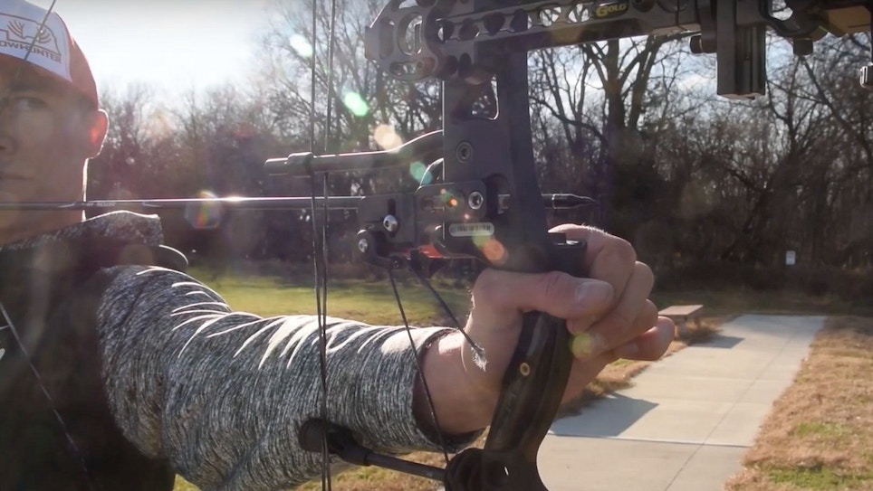 Bow Shooting Tip: Get a (Proper) Grip
