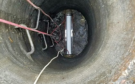 Plugs divert flow for manhole bench and channel rehabilitation