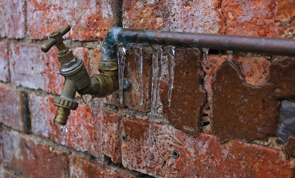 Widespread Water Outages Reported Across Texas Due to Winter Storms