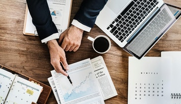 5 Ways a Financial Adviser Can Help Your Onsite Business Succeed