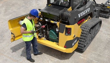 7 Key Checks for Compact Track Loader Maintenance