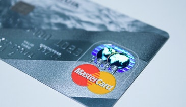 Avoid Tricks and Traps of the Credit Card Industry