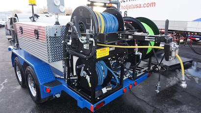 Advantages to Choosing a Hydraulic Hose Reel vs. Electric