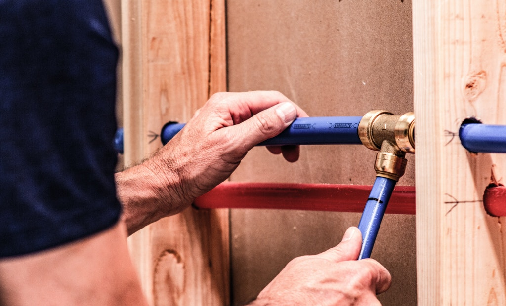 How Push-to-Connect Technology Revolutionized the Plumbing Industry