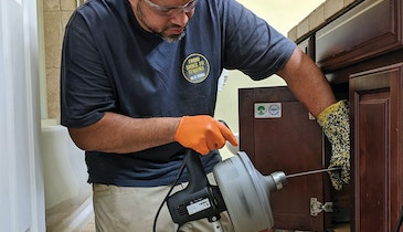 Auger Designed by Plumbers Takes Less Strain on Your Back