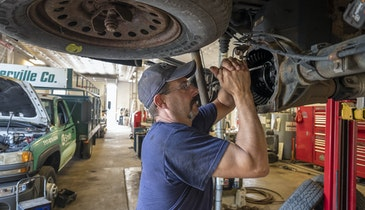 Should You Hire a Full-Time Mechanic?