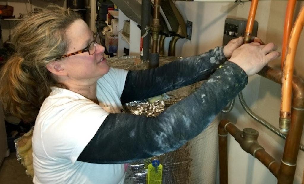 All-Women Plumbing Company Teaches Female Homeowners How to Make Minor Repairs