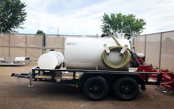 Trailer-mounted 550-gallon steel slide-in