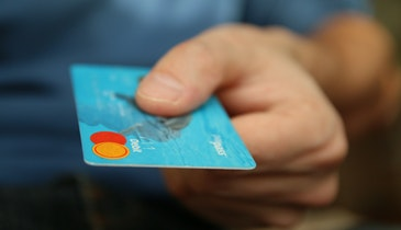 How to Choose the Right Credit Card for Your Small Business