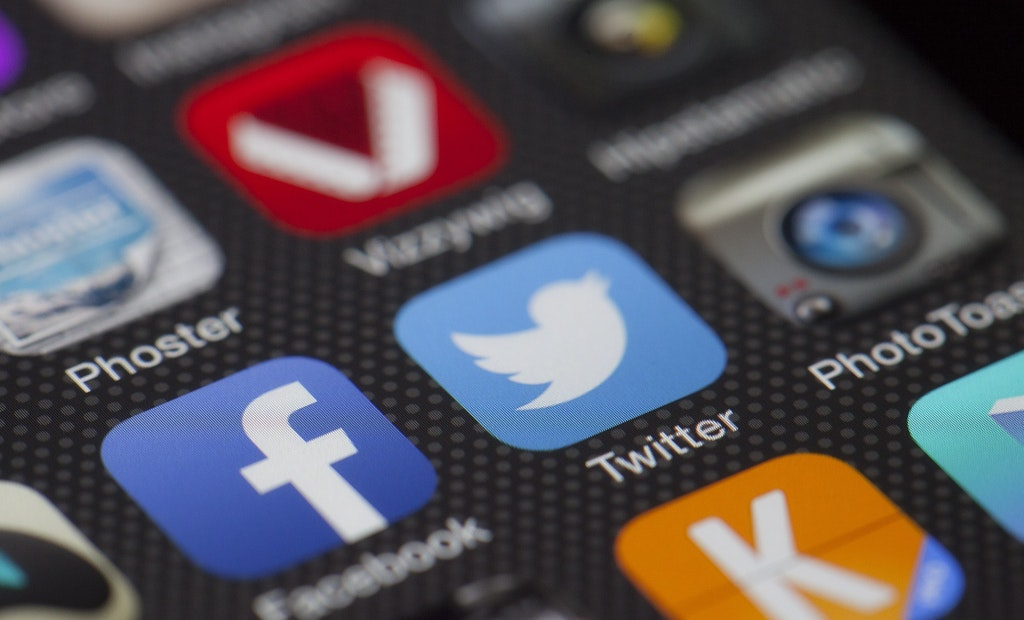 4 Tips to Promote Your Pumping Business on Social Media