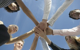 7 Ways to Build a Team Mentality