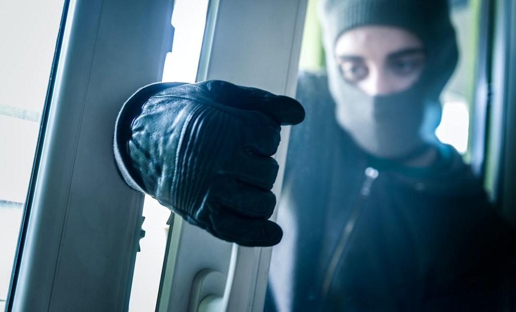 Everyday Defense: Kick in a Door, Get Shot!
