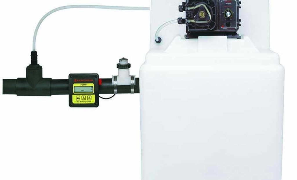 Blue-White Proportional Feed System Maintains Constant Chemical Injection