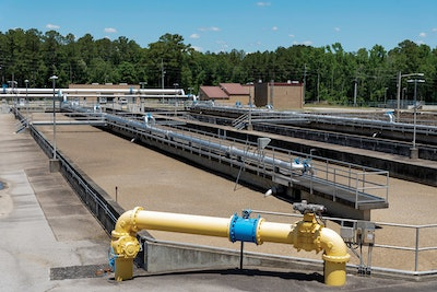 This North Carolina Clean-Water Plant Operates in Keeping with Its Sharp Appearance