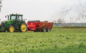 Kuhn Knight SL 100 Series spreaders provide accurate land application